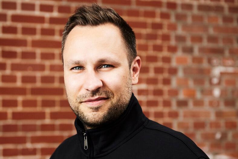 Christian Weber, Jahrgang 19xx, Import/Export Manager und CFO